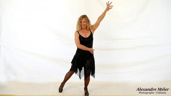 Salserinata danseuse saint dizier partenaire danse for Recherche partenaire de danse de salon