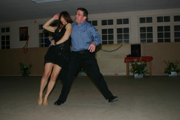 Dilui danseur orange partenaire danse for Recherche partenaire de danse de salon