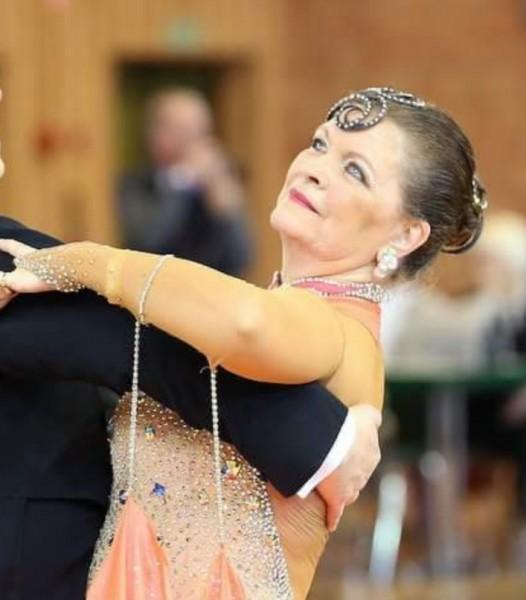 Manou54000 danseuse nancy partenaire danse for Recherche partenaire de danse de salon