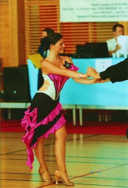 Adeline09 danseuse nantes partenaire danse for Danse de salon nantes